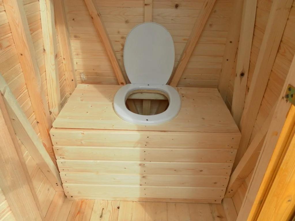 dachnyj-tualet-foto-video-vidy-klozetov-chertezhi-i-razmery-7
