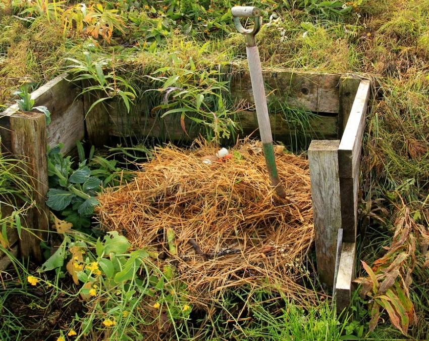 kompostnyj-yashhik-foto-video-varianty-izgotovleniya-kompostnoj-yamy-11